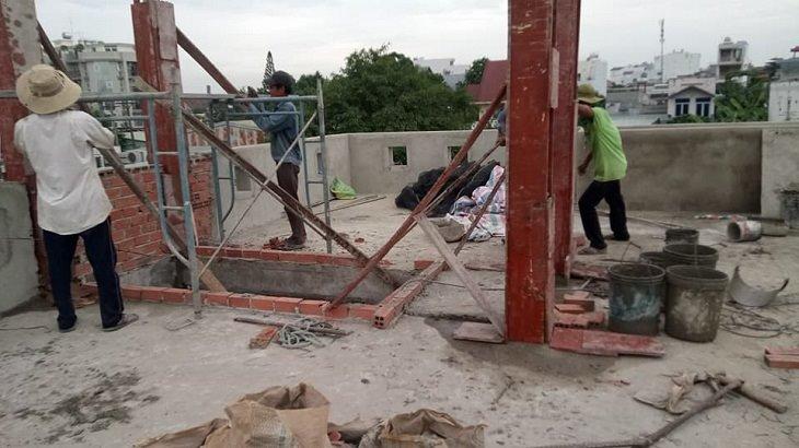 Thợ ghép cốp pha đổ bê tông cột